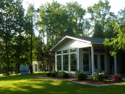 Guest House .Remote Luxurious living, Driving Range & swimming pool