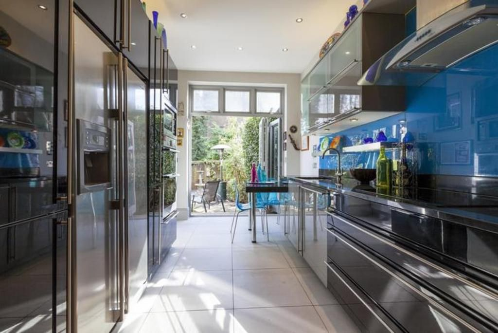 London Home 76, Rent Your Dream Holiday Home in One of London's most Prestigious Areas - Studio Villa, Sleeps 4
