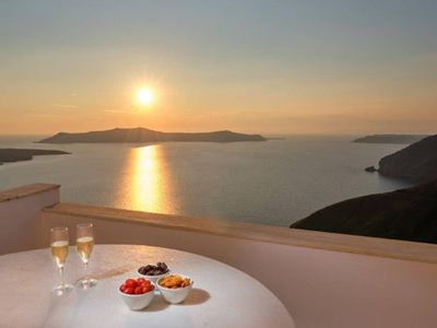 Photo for 4BR House Vacation Rental in Thira