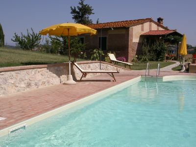 Photo for Tuscan style house, independent, panoramic swimming pool, whirlpool, wi fi.