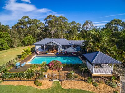 Photo for Luxury Hinterland Retreat close to Byron Bay, Suffolk Park and Lennox Head