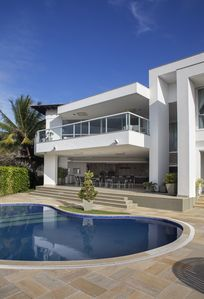 Photo for Beautiful house with five suites, in condominium, close to Geribá and Ferradurinha