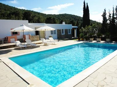 Photo for 6 bedroom Villa, sleeps 10 with Pool and Air Con