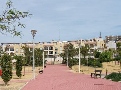 Photo for Immaculate 2 bed apartment ideally located for beaches, harbour and restaurants