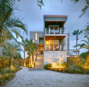 Photo for Beautiful oceanfront five bedroom home with heated private pool!
