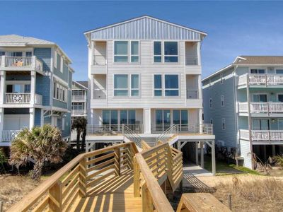 Photo for Turtle's Nest: 4 BR / 4.5 BA duplex - 1 side in Carolina Beach, Sleeps 10