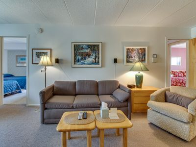 Photo for Cozy condo on the mountain w/ shared resort amenities!