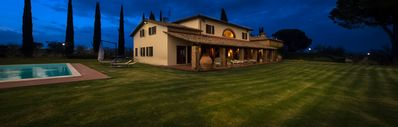 Photo for 8 bedroom Villa, sleeps 18 in Ranciano with Pool, Air Con and WiFi