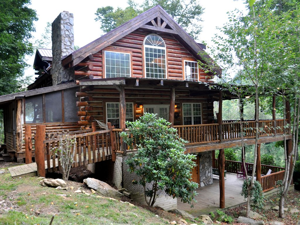 Large Lakeside Cabin 2 Custom Fire Places Vrbo