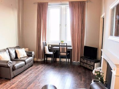 Photo for 2 Bedroom Central Apartment