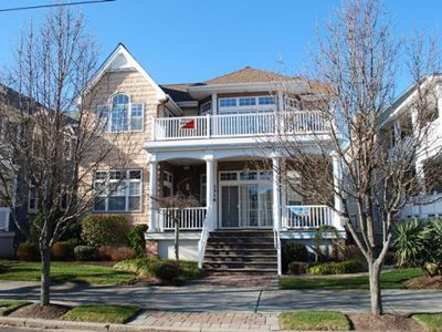 Very large living space, 5 bedrooms. Great location! One block to beach and boardwalk! Walking distance to EVERYTHING with parking for 4 cars!