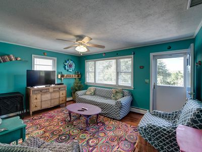 Photo for Highway 12 Two Bedroom Apartment Oceanside on Daily Hill