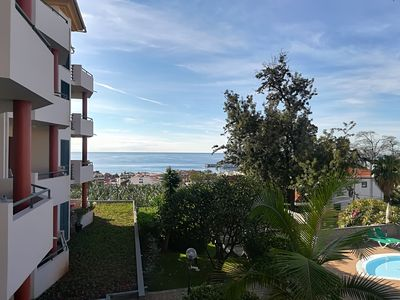 Photo for Apartment with pool and magnificent view over Funchal city and bay!