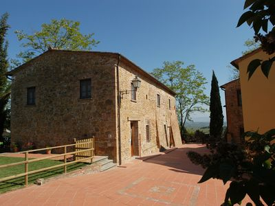 Photo for Nice apartment for 6 guests with WIFI, pool, TV, pets allowed and parking, close to San Gimignano
