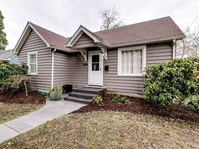 Photo for Charming Bungalow in heart of Eugene