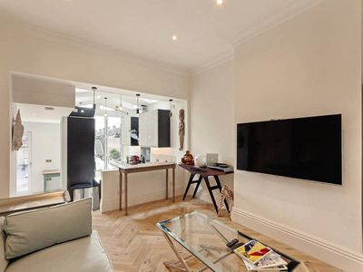 Photo for Sunny 1-Bed full of Character in Chelsea