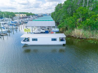 Your own personal retreat directly on the beautiful St. Johns River