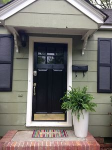 New! 3bd Family Home In Avondale - 5 Mins Drive From The Heart Of Downtown