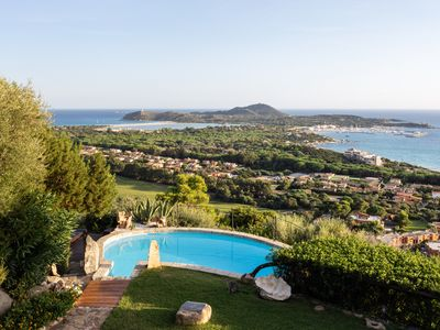 Photo for Magnificent villa with breathtaking sea view, panoramic pool, garden and WI-FI