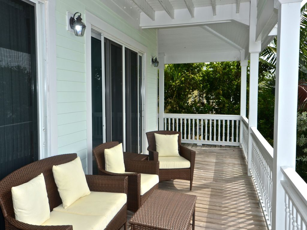 inviting waterfront home w private pool jacuzzi balcony w ocean views key west. Black Bedroom Furniture Sets. Home Design Ideas