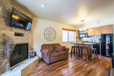 Cozy Living space with Fireplace and HDTV