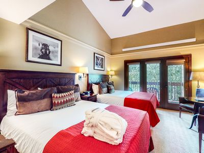 Photo for 2nd-floor condo w/mountain views + shared hot tub/pools - near lifts & downtown!