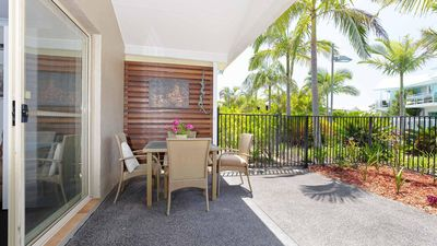 Photo for Oaks Pacific Blue, 356/265 Sandy Point Rd - Air conditioned, direct pool access