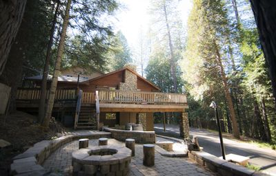 Photo for Arnold Cabin - 5bdrm/4ba - Lakemont Pines - Large home, Close to lake - pets ok