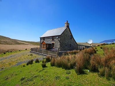 Photo for Totally unique and completely inspiring, this beautiful holiday cottage offers the perfect.