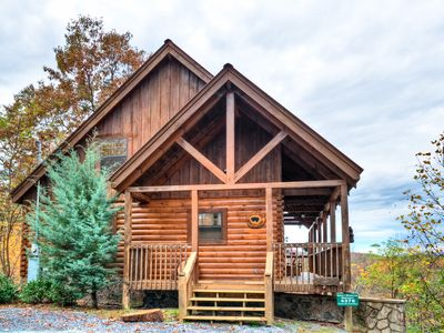 Photo for Mountain Splendor -Luxury 4B, Great Views, Hot Tub, Pool Table, Secluded Getaway