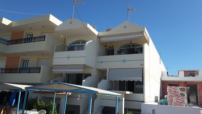 Photo for 1BR Apartment Vacation Rental in Makry Gialos