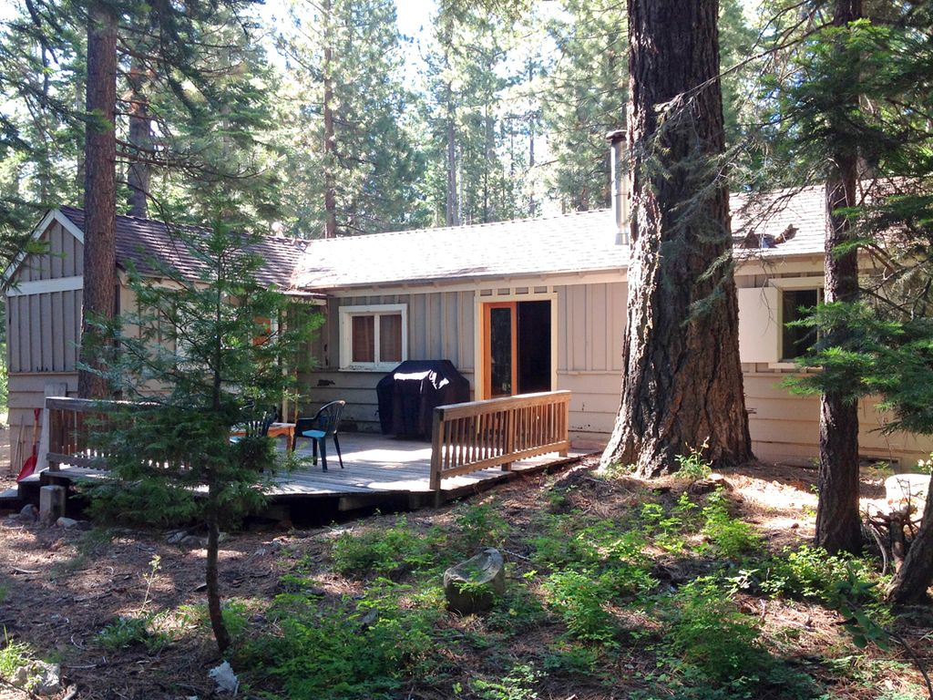 Rustic classic tahoe cabin private peaceful near for North lake tahoe cabins