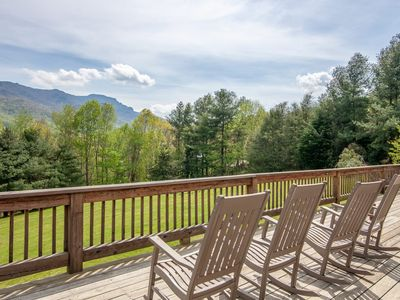 Photo for 4BR, 3BA Mountain Lodge Near Banner Elk, NC, Close to Grandfather Mtn, Sugar Mountain Ski Resort