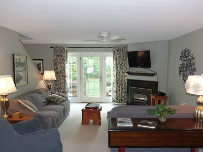 Cozy, warm & inviting townhome minutes to ski mountains, trails, & outlets