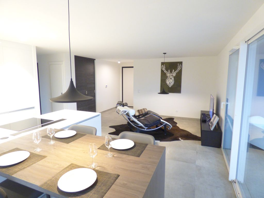 Prestige apartment in the center of annecy homeaway for Top garage annecy