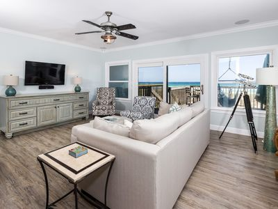 Photo for Charming, open unit, Stunning views, 2 beach chairs included