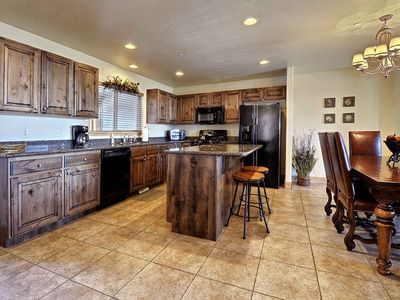 Photo for Beautiful Spacious Town-home with Private Hot-Tub, Close to Shuttle Stop