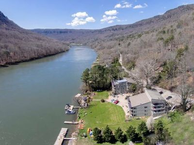 Photo for Amazing-Beautiful River Gorge Condo - 10 minutes to Downtown