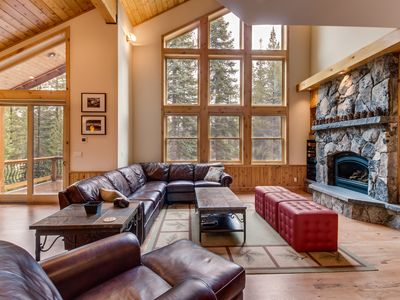 Photo for Gorgeous interior, tons of space, private hot tub, shared pool - Mountain Views!