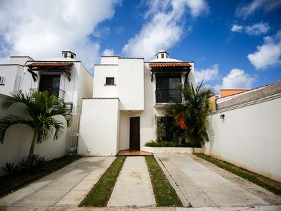 Photo for BEAUTIFUL FULLY FURNISHED  HOUSE 4 Bdrm, 3bth
