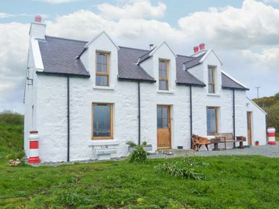 Photo for Red Chimneys Cottage, DUNVEGAN