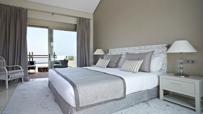 Photo for Four-Bedroom Suite with Spa Bath and Ocean View (8 Adults)