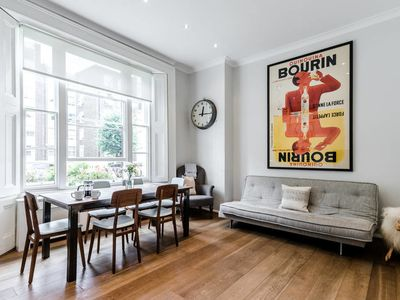 Photo for Elegant 2 bed in Primrose Hill