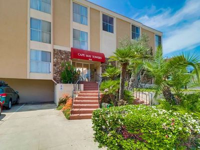 Photo for Ocean Beach One BR Condo - Walking Distance to Beaches, Shops & Restaurants!