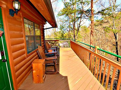 Photo for Beautiful log cabin in gated resort community, only 1.5 miles from Dollywood.