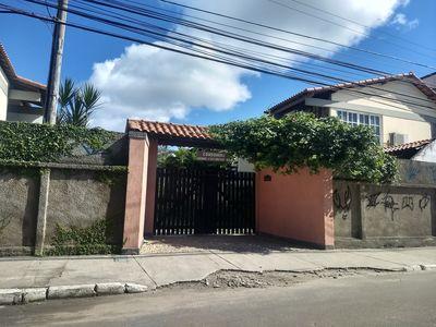 Photo for Excellent house in condominium, near the beach and commerce.