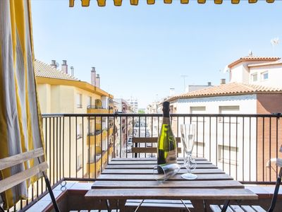 Photo for ATENEA. Cozy apartment for families in the center of Pineda de Mar. Free WiFi