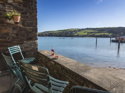 Photo for 7 ISLAND QUAY, family friendly, with a garden in Salcombe, Ref 995165