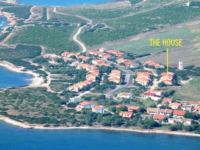 Photo for Mandriola: apartment in villa at 150 mts. from the sea line