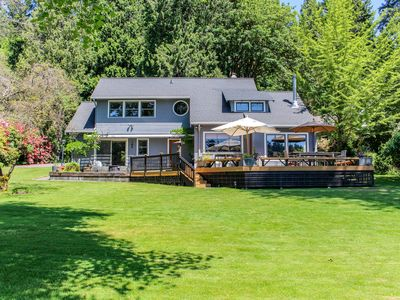 Photo for Dog-friendly bayfront home perfect for a relaxing isolated getaway!